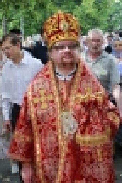 Епископ Выборгский и Приозерский Игнатий совершил Литургию в храме Праведного Иоанна Русского в Кунцево