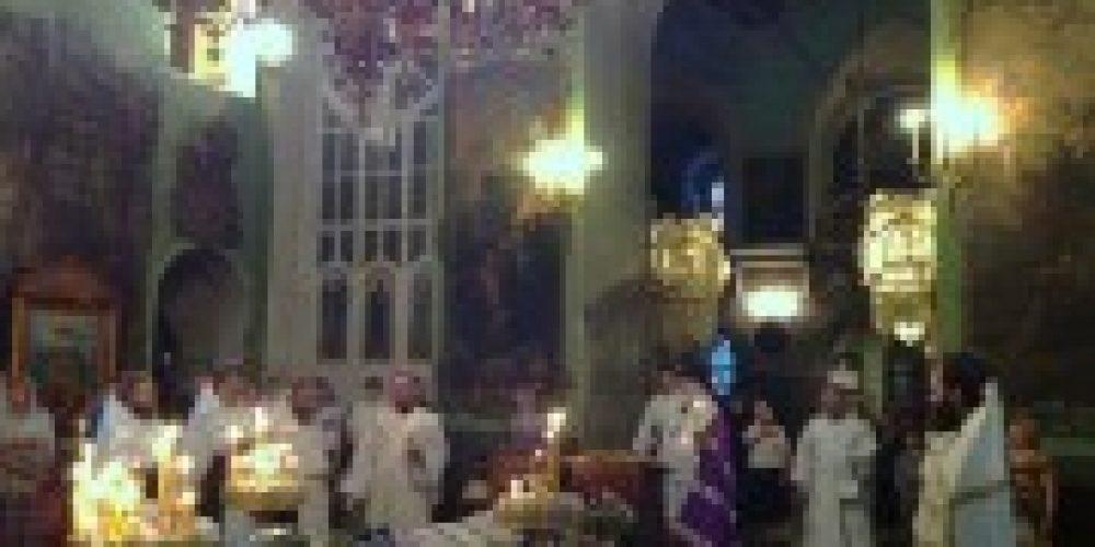 Архиепископ Истринский Арсений совершил панихиду по почившему настоятелю храма Тихвинской иконы Божией Матери в Алексеевском