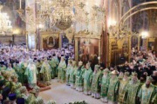 Предстоятель Русской Православной Церкви совершил Литургию в Успенском соборе Троице-Сергиевой лавры