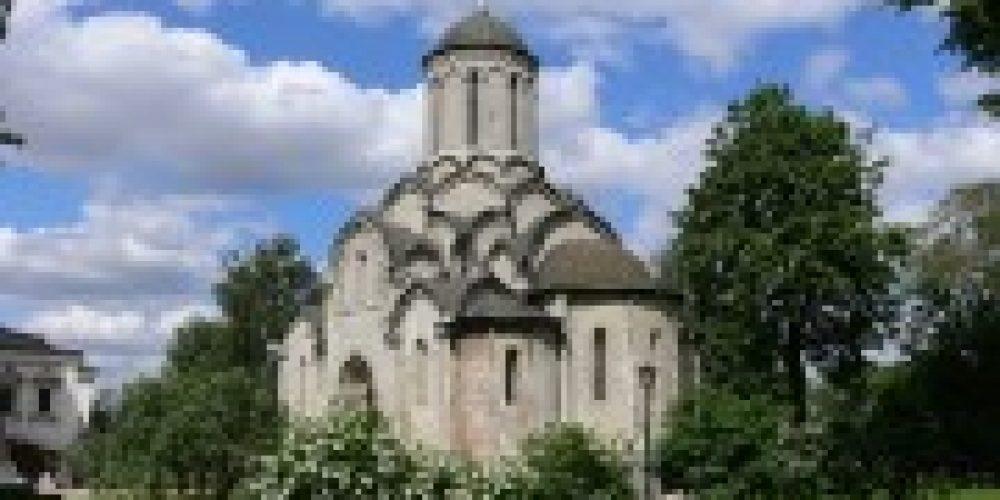 Архиепископ Истринский Арсений совершил Божественную литургию в Спасском соборе Спасо-Андроникова монастыря
