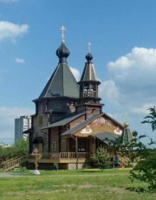 Архиепископ Истринский Арсений возглавил Божественную литургию в храме иконы Божией Матери «Троеручица» в Орехово-Борисово