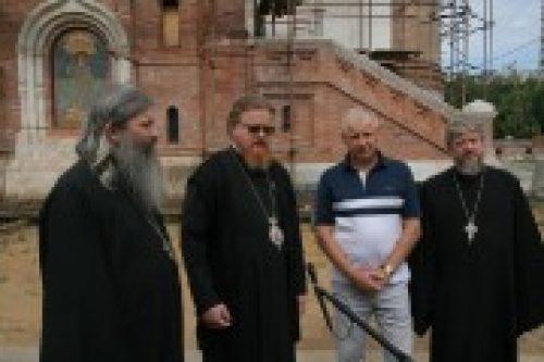 Председатель Правления Фонда «Поддержки строительства храмов г. Москвы» совершил объезд строительных площадок в Северо-Восточном викариатстве