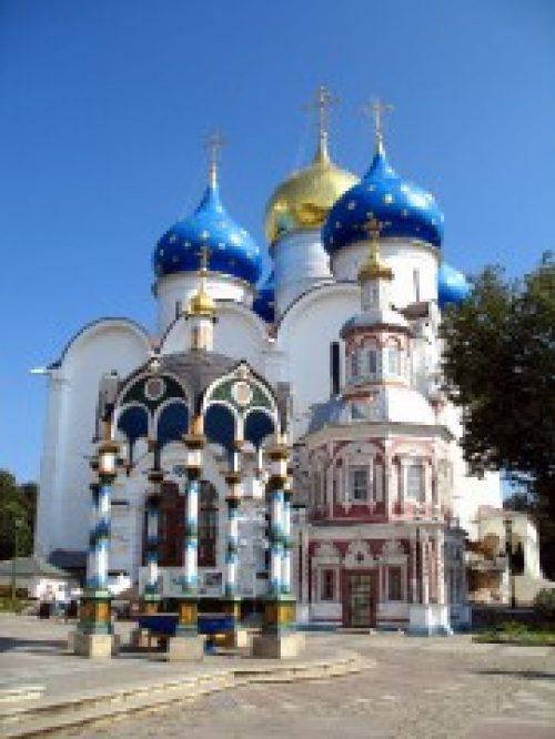 Посол Года российского туризма в Китае посетил Свято-Троицкую Сергиеву лавру