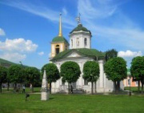Епископ Бронницкий Игнатий совершил Божественную литургию в храме Всемилостивого Спаса  в Кускове