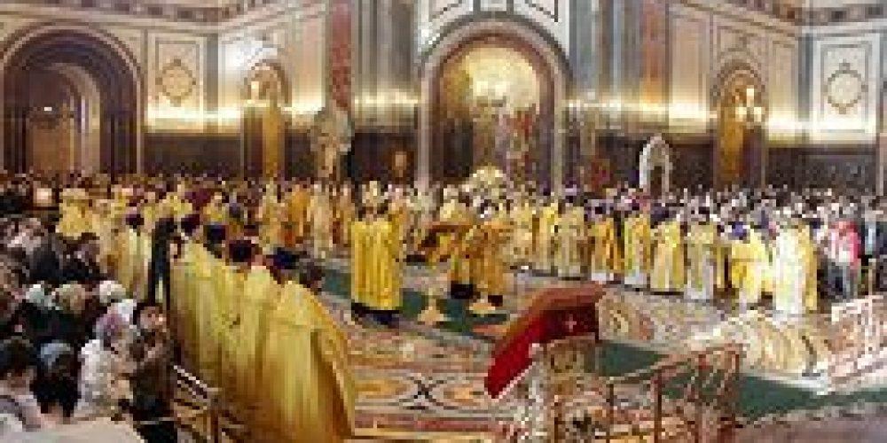 Божественная Литургия в Кафедральном соборном Храме Христа Спасителя на Торжество Православия