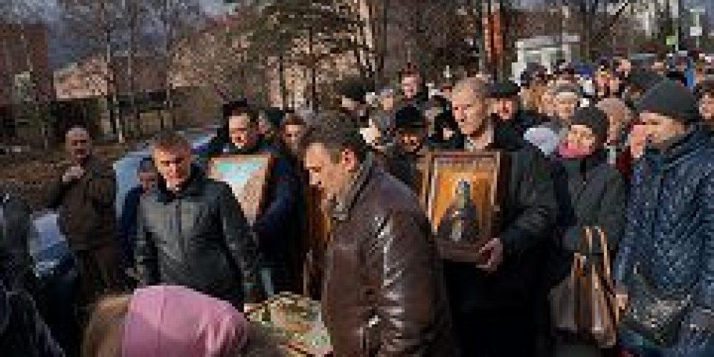 Приход строящегося храма Всех преподобных отцев Киево-Печерских в Старых Черемушках отметил престольный праздник