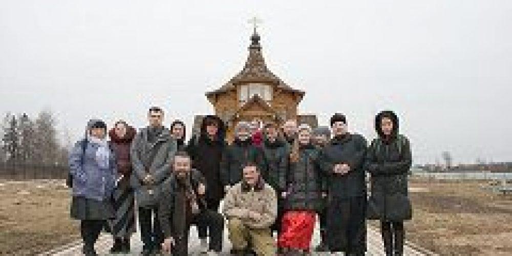 Молодёжь из храмов Благовещения в Федосьино и прп. Сергия Радонежского в Солнцеве совершили поездку в Молодёжный духовно-оздоровительный центр в Чисмено
