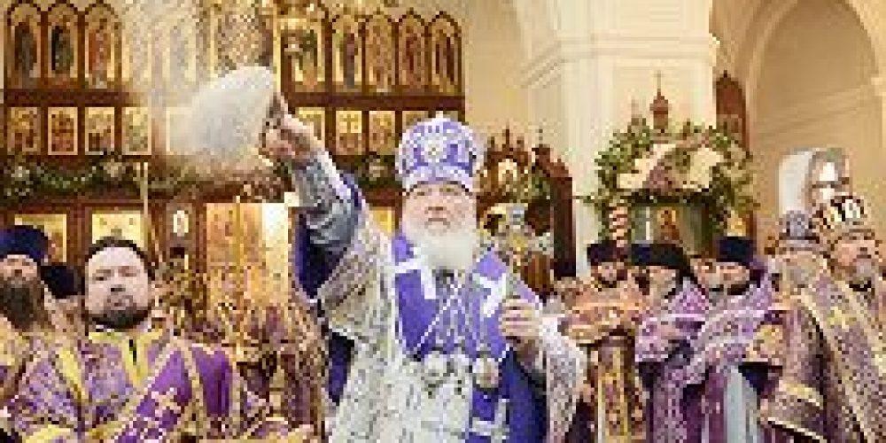 В неделю 4-ю Великого поста Предстоятель Русской Церкви освятил московский храм прп. Алексия, человека Божия, в Красном Селе и возглавил Литургию в новоосвященном храме