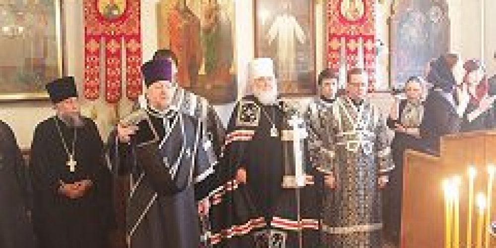 Первый викарий Святейшего Патриарха по городу Москве совершил Литургию Преждеосвященных Даров в храме пророка Божия Илии на Воронцовом поле
