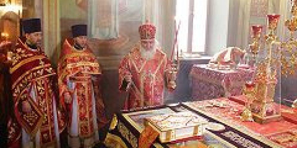 Митрополит Истринский Арсений совершил Божественную литургию в храме Иверской иконы Божией Матери на Всполье