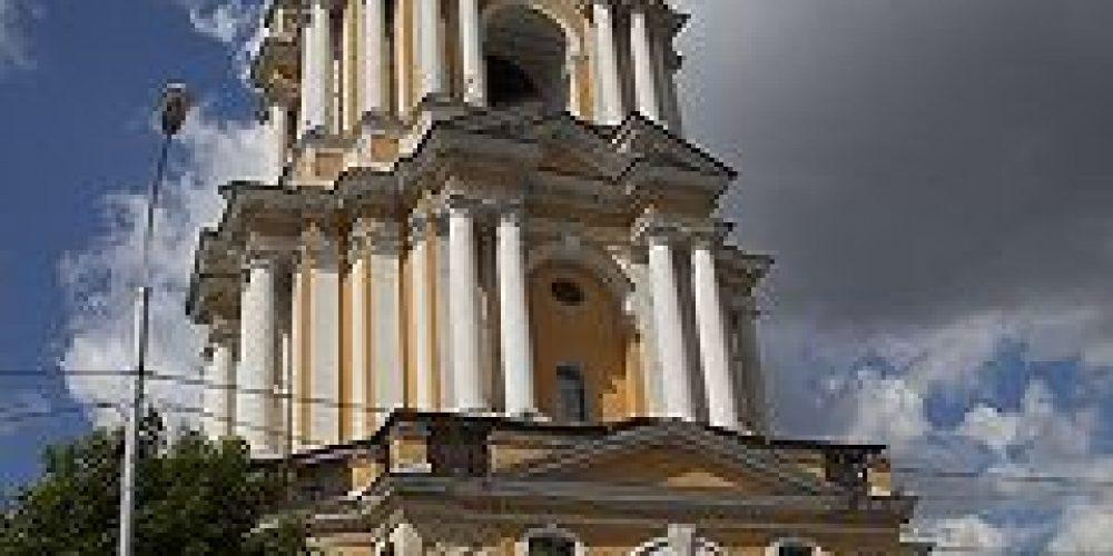 Новоспасский монастырь передал первую партию гуманитарного груза для мирных жителей юго-востока Украины