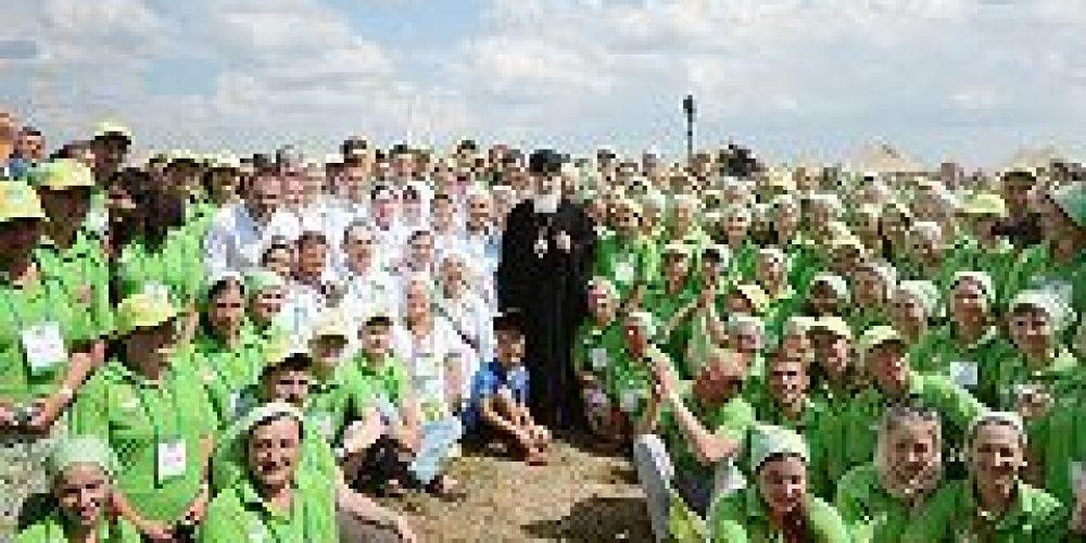 Святейший Патриарх Кирилл встретился в Сергиевом Посаде с паломниками и волонтерами, участвующими в торжествах, посвященных 700-летию преподобного Сергия