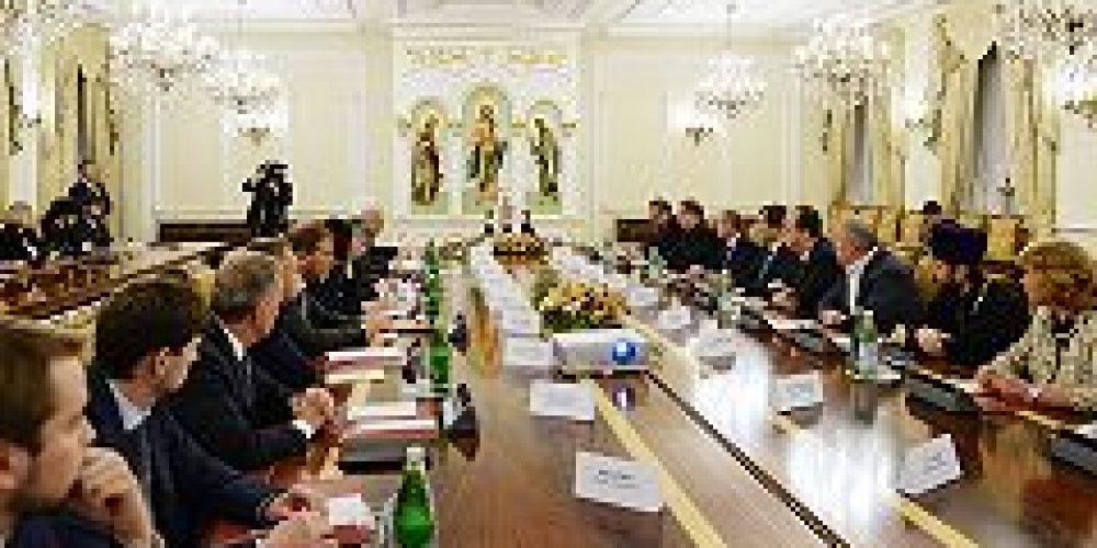 Святейший Патриарх Кирилл возглавил заседание Наблюдательного совета Общецерковной аспирантуры и докторантуры