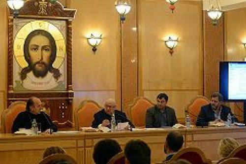 На совещании в Храме Христа Спасителя обсудили вопросы строительства новых храмов в 2016 году