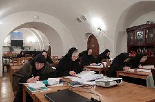 В Иоанно-Предтеченском монастыре состоялся первый выпуск курсов дополнительного образования для насельниц женских обителей