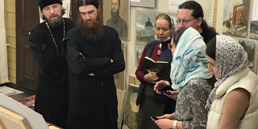 Иконописцы при храме Успения Пресвятой Богородицы в Матвеевском представили свои работы