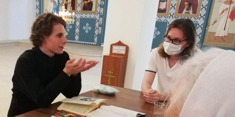 В храме Смоленской иконы Божией Матери в Фили-Давыдково проходят евангельские беседы