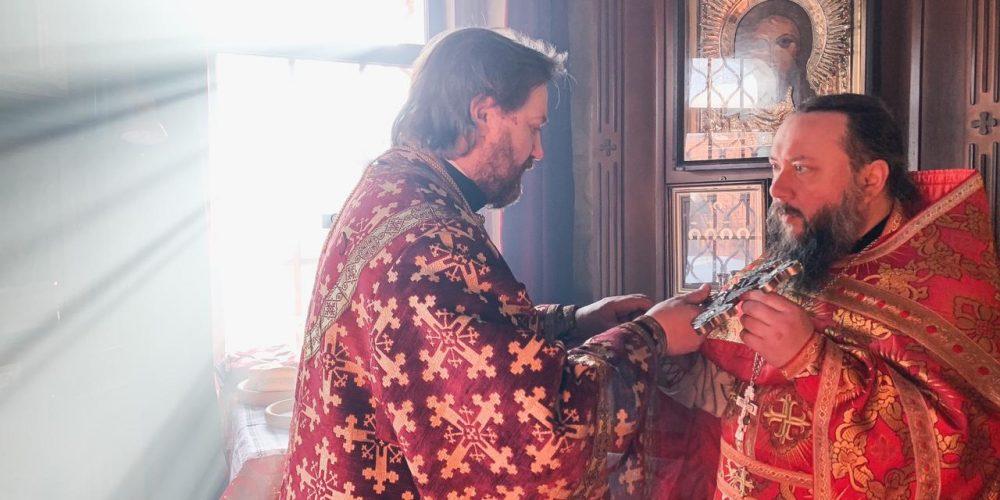 В день памяти cщмч. Харлампия епископ Павлово-Посадский Фома совершил литургию в храме Архангела Михаила в Тропарево
