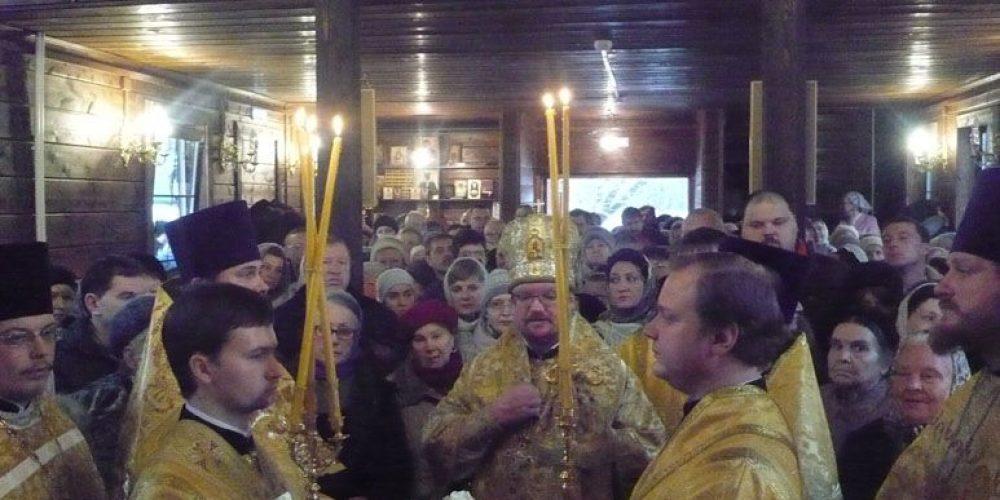 Епископ Выборгский совершил Литургию в храме свт. Спиридона Тримифунтского в Фили-Давыдково