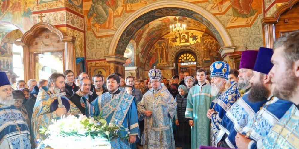 25 октября 2014 года, в день празднования в честь Рудненской иконы Божией Матери, епископ Выборгский и Приозерский Игнатий совершил Божественую литургию в храме Рождества Пресвятой Богородицы в Крылатском
