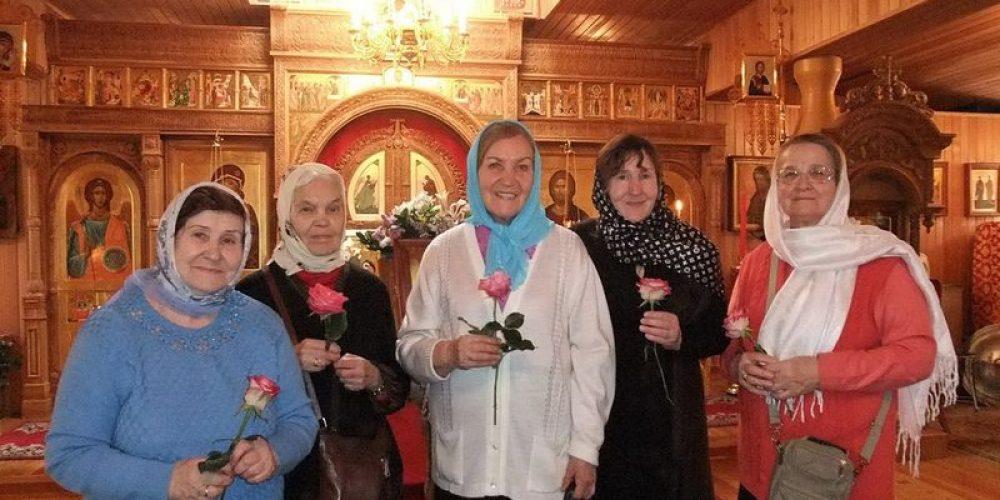 Празднование дня жен-мироносиц в храме Смоленской иконы Божией Матери