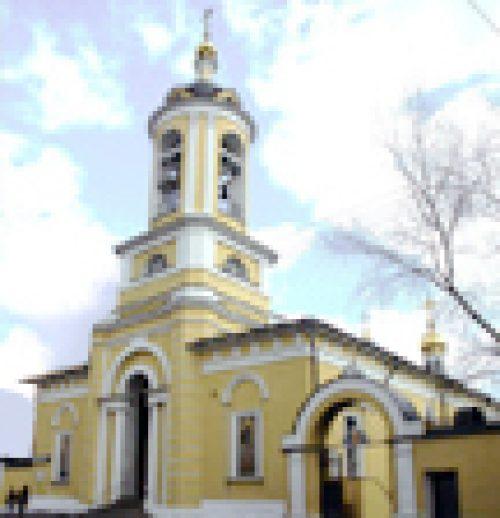 Епископ Бронницкий Игнатий совершил божественную литургию в храме Успения Богородицы в Печатниках