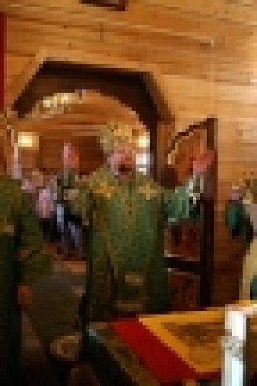Епископ Бронницкий Игнатий совершил Божественную литургию в храме прп. Иосифа Волоцкого