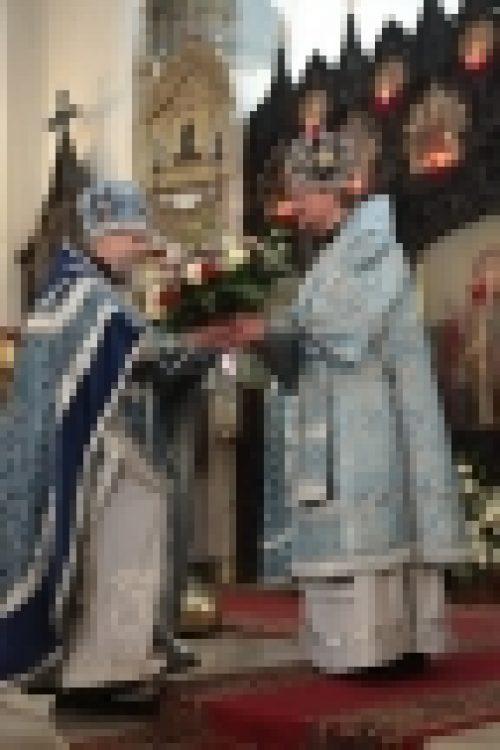 Епископ Бронницкий Игнатий возглавил Божественную Литургию в храме Воскресения Христова в Сокольниках
