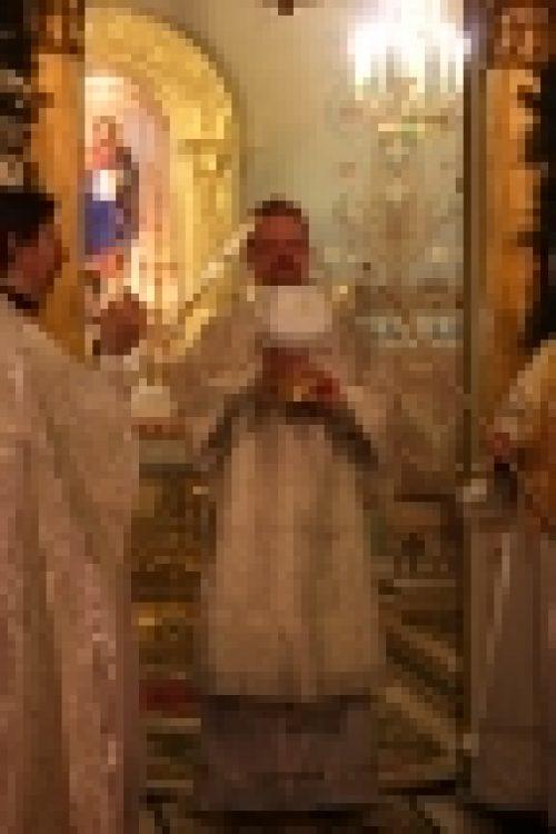 В Рождественский Сочельник епископ Бронницкий Игнатий возглавил Литургию в храме Рождества Иоанна Предтечи на Пресне