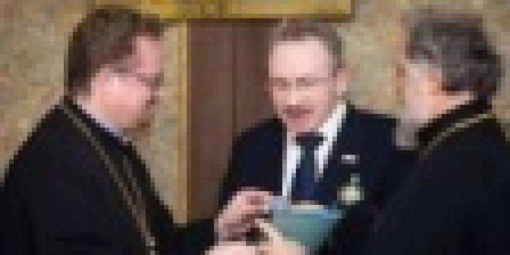 Владыка Игнатий вручил награду от лица Святейшего Патриарха Московского и всея Руси Кирилла