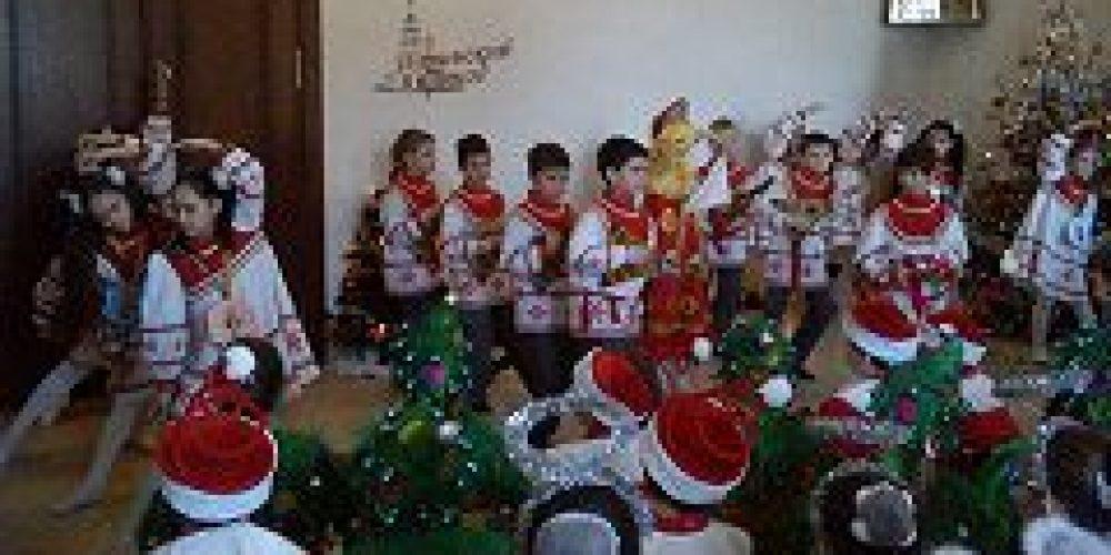 Состоялось открытие I Рождественского фестиваля детского творчества, организованного храмом пророка Илии в Черкизове