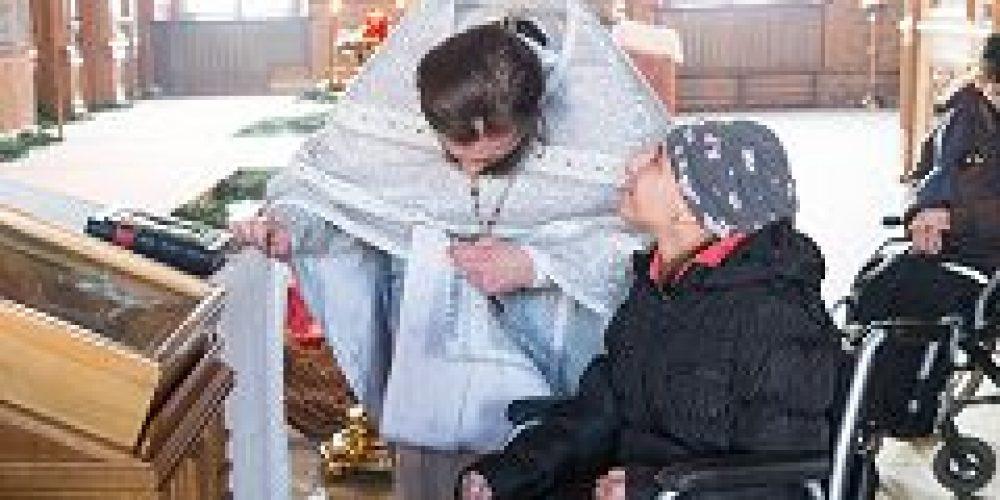 В день памяти свт. Феофана, Затворника Вышенского, храм свт. Николая в Покровском посетила группа подопечных международного фонда «Филантроп»