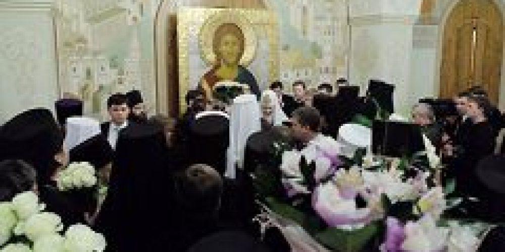 В Храме Христа Спасителя состоялась братская трапеза по случаю пятой годовщины интронизации Святейшего Патриарха Кирилла