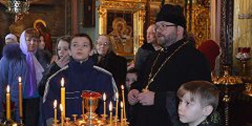 Воспитанники Переславль-Залесского санаторного детского дома посетили храм иконы Божией Матери «Знамение» в Аксиньино