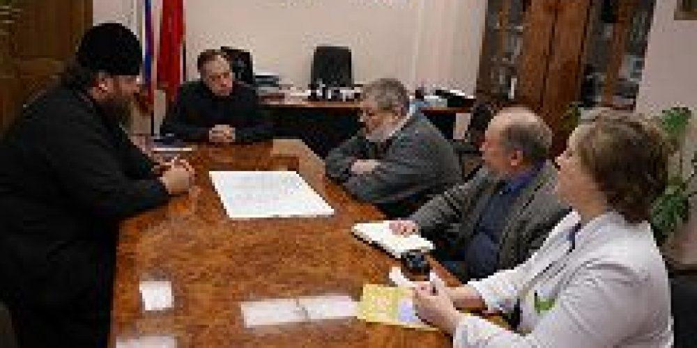 Состоялась встреча, в ходе которой обсуждались вопросы строительства храма на территории Московского научно-практического Центра наркологии