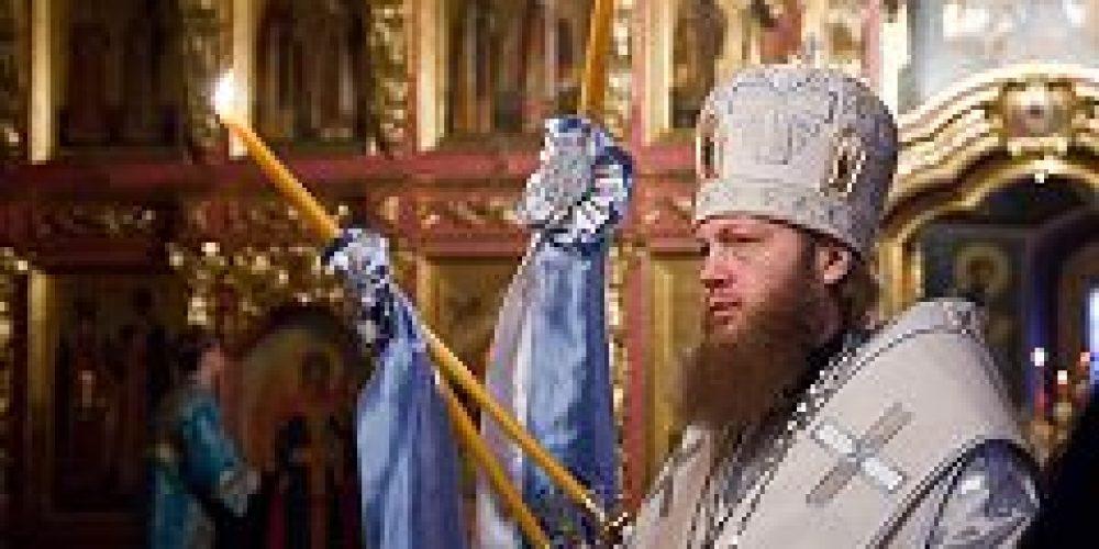 В праздник Сретения Господа Нашего Иисуса Христа епископ Воскресенский Савва совершил Божественную литургию в Новоспасском монастыре