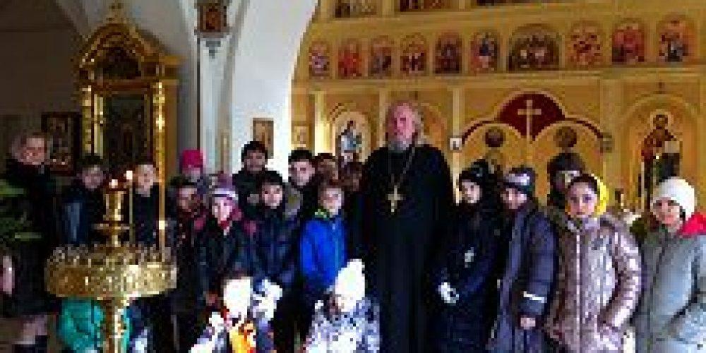 В храме свт. Николая Мирликийского в Дербеневе состоялась экскурсия для школьников