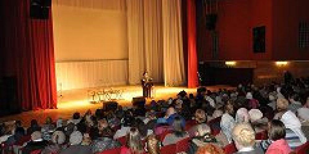 В культурном центре «Вдохновение» состоялась встреча с настоятелем подворья Свято-Введенской Оптиной пустыни архимандритом Мелхиседеком (Артюхиным)