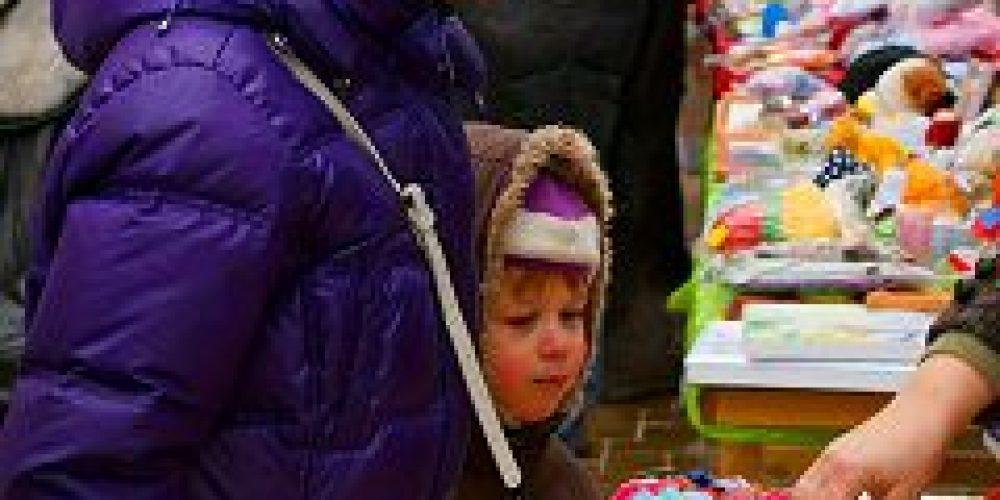 Приход храма всех святых на Соколе провел V Благотворительную Рождественскую ярмарку