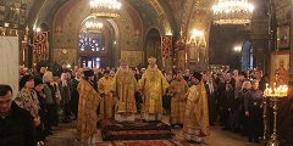 Митрополит Истринский Арсений и епископ Аркадий (Афонин) совершили Божественную литургию в храме прп. Пимена Великого в Новых Воротниках, что в Сущеве