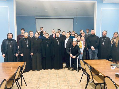 Собрание ответственных за молодежное служение состоялось в Западном викариатстве