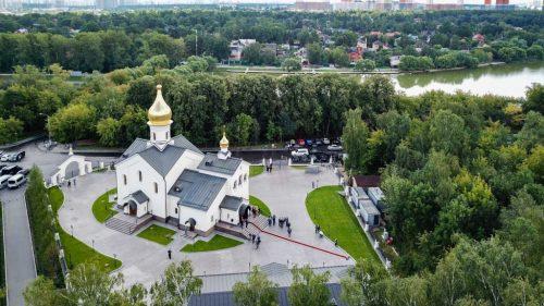 В праздник Казанской иконы Божией матери епископ Фома совершил Божественную литургию в Мещерском (+ фото)