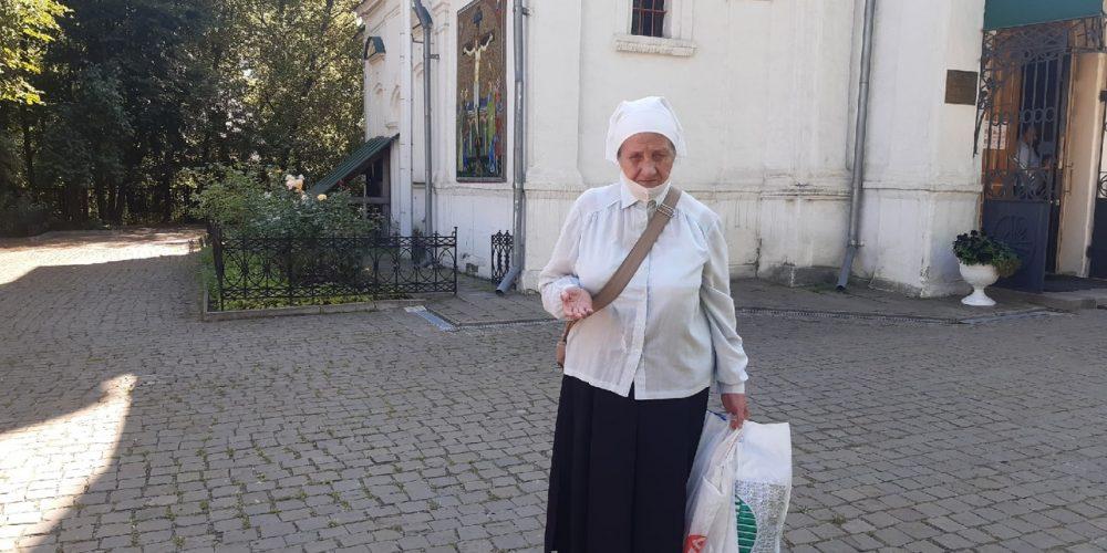 Прихожане храма свт. Димитрия Ростовского в Очакове передали вещевую помощь жителям села Нижегородской области