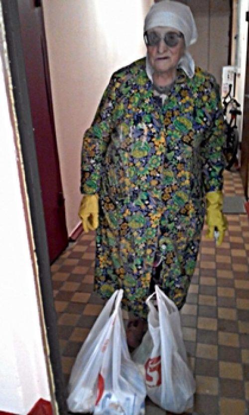 В храме святителя Димитрия Ростовского в Очакове продолжают доставлять продукты пожилым прихожанам
