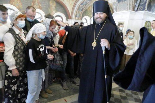 Епископ Фома возглавил Божественную литургию в Знаменском храме города Красногорска