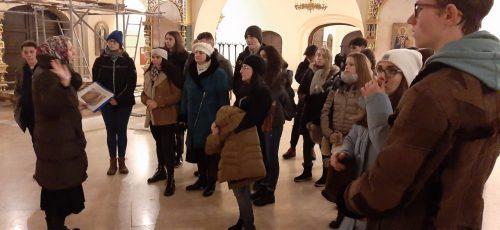 Храм Александра Невского при МГИМО посетили венгерские школьники
