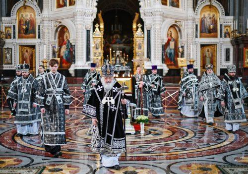 Епископ Фома сослужил Патриарху Кириллу на Литургии Преждеосвященных Даров в Храме Христа Спасителя