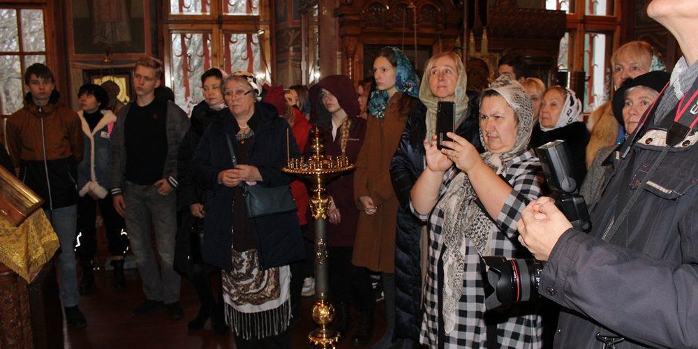 В храме святителя Димитрия Ростовского в Очакове провели историко-краеведческую экскурсию