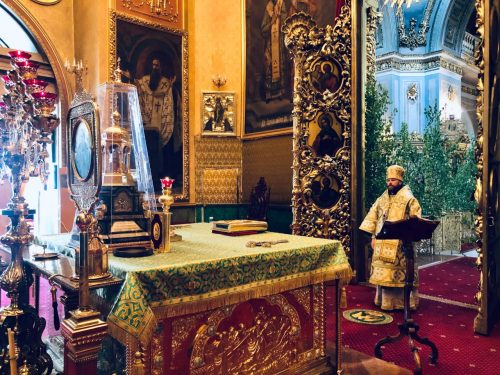 В Духов день епископ Фома совершил литурию в Богоявленском кафедральном соборе