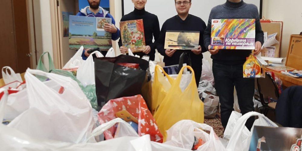 Прихожане храма прп. Андрея Рублева приняли участие в благотворительных Рождественских акциях